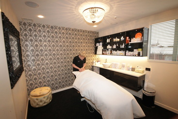 Beauty therapy perfect 10 beauty spa for A perfect ten salon